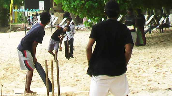 Beach Cricket in Unawatuna